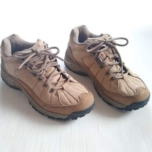 New Balance • 965 waterproof hiking sneakers